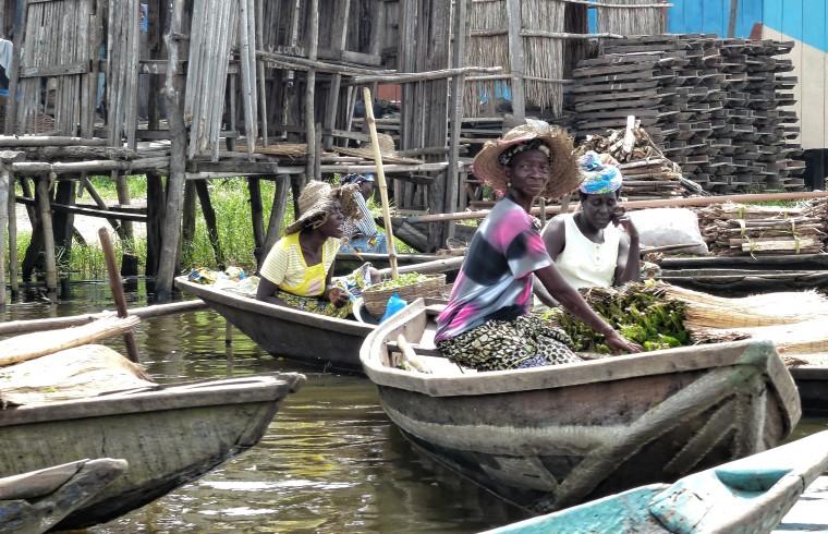 Marché flottant - Lac de Ganvié - République du Bénin