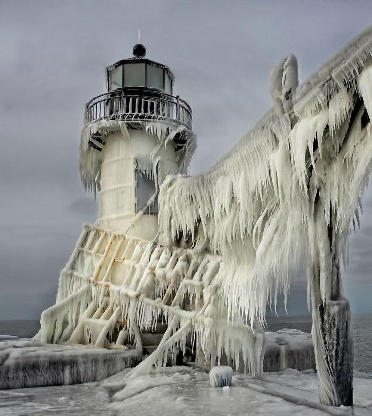 frozen-ice-art-3-1__880.jpg