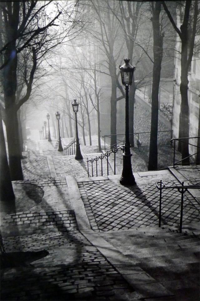 15-Escaliers-de-Montmartre-1936-Brassai.jpg