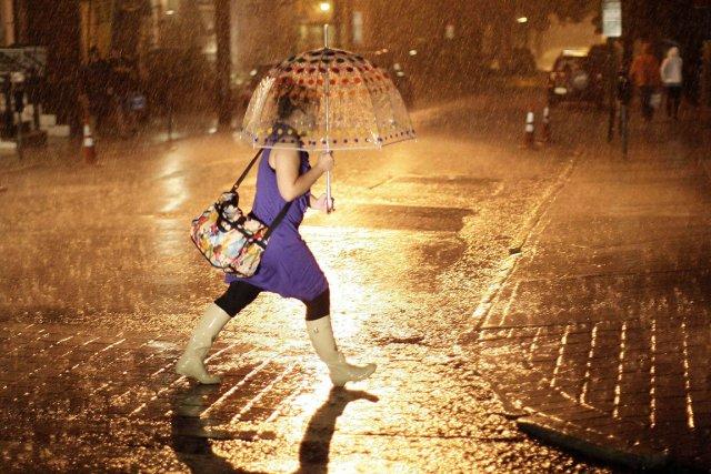 nuit-sous-la-pluie.jpg