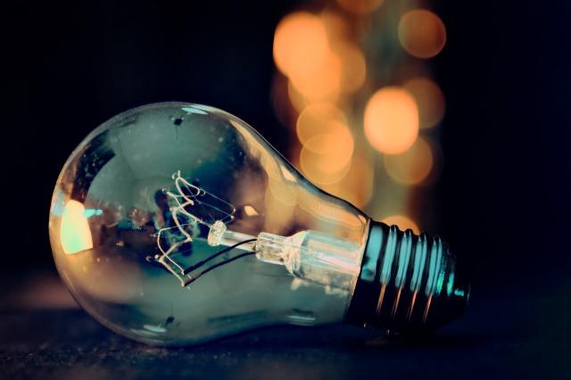 light-bulb-3535435_1280.jpg