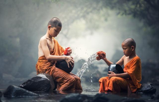 buddhist-1793421_1280.jpg
